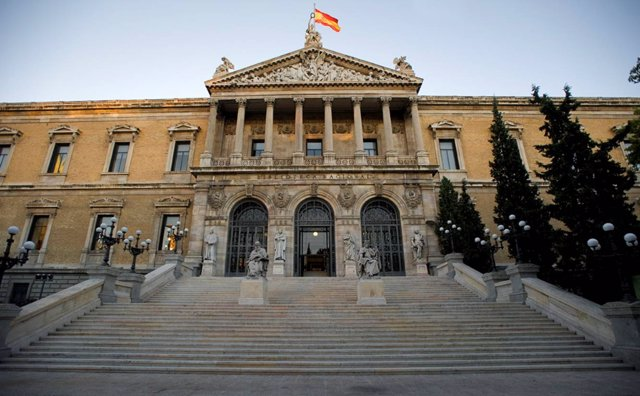 Fachada De La Biblioteca Nacional