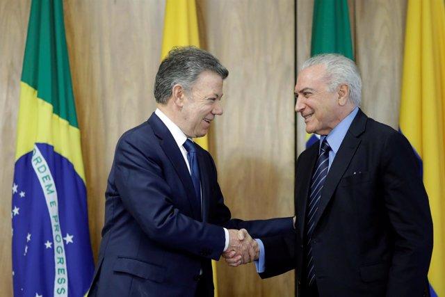 Presidente colombiano, Juan Manuel Santos, con el brasileño, Michel Temer