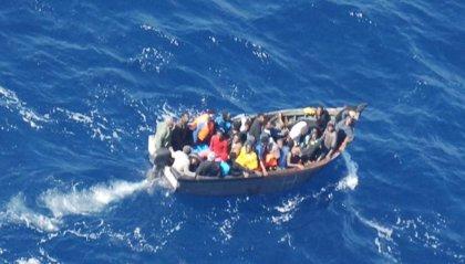 Un total de 9 migrantes, entre ellos dos menores y una embarazada, llegan a Ceuta