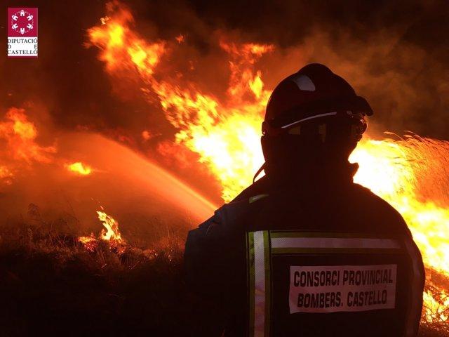 Declarado un incendio en Torreblanca y el Prat de Cabanes