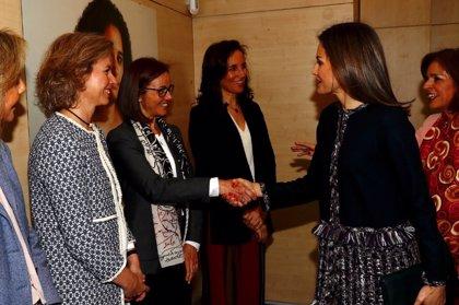 La Reina visita la Fundación Integra para conocer el trabajo de integración laboral de víctimas de violencia de género