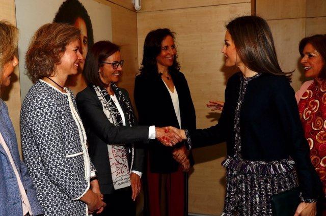 La Reina Letizia visita la Fundación Integra