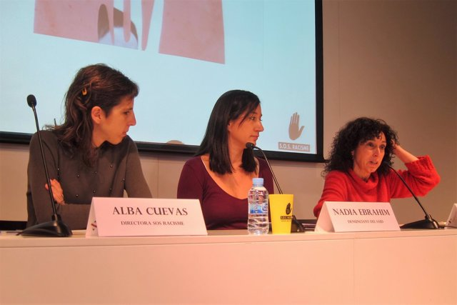 Alba Cuevas, Nadia Ebrahim y Alícia Rodríguez (Sos Racisme)