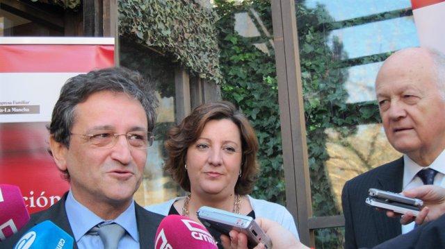 Vázquez y Franco atienden a los medios