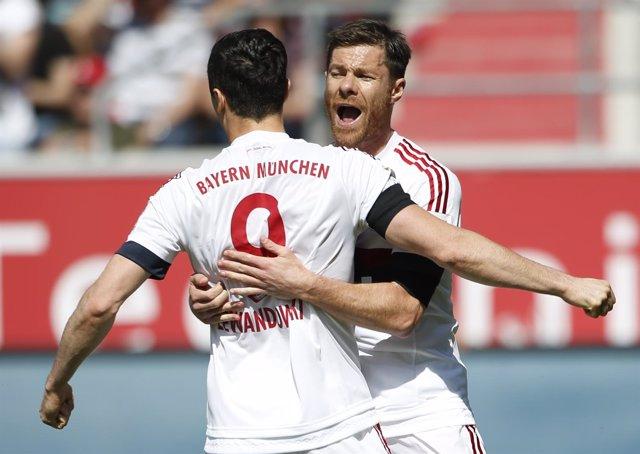 Bayern Munich Xabi Alonso Robert Lewandowski