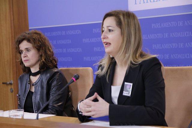 Esperanza Gómez y Carmen Lizárraga (Podemos) en rueda de prensa
