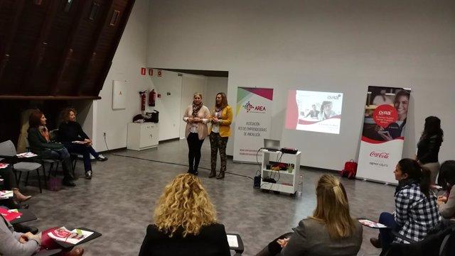 Jornada de formación y empoderamiento para la mujer en Alcalá de Guadaíra