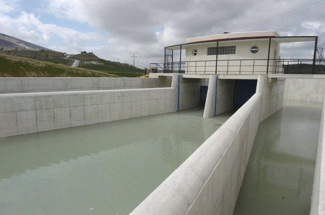 Foto de archivo del Canal De Navarra