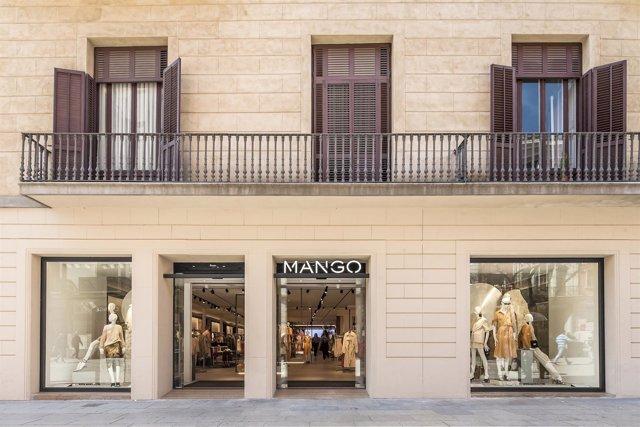 Tienda de Mango en el Portal de l'Àngel, en Barcelona