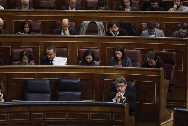 El ministro de Energía, Álvaro Nadal, en la sesión de control al Gobierno
