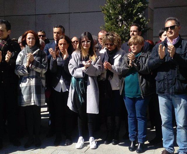 Varios centenes de personas se concentran en Getafe