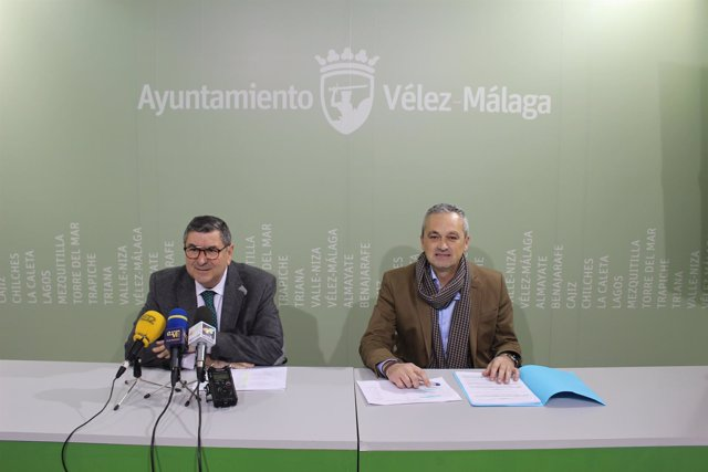 Antonio Moreno Ferrer alcalde y el edil de Contratación