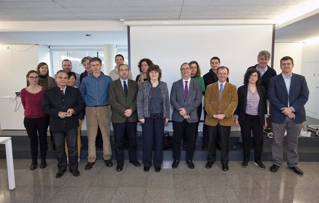 Participantes en el encuentro transfronterizo sobre el territorio pirenaico