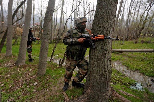 Foto de los militares indios en el enfrentamiento contra milicianos en Cachemira