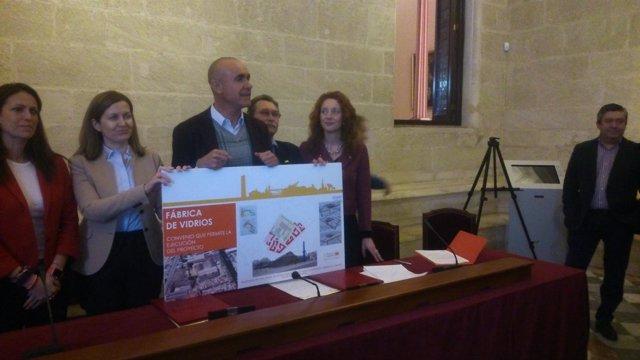 Antonio Muñoz presenta los términos del convenio
