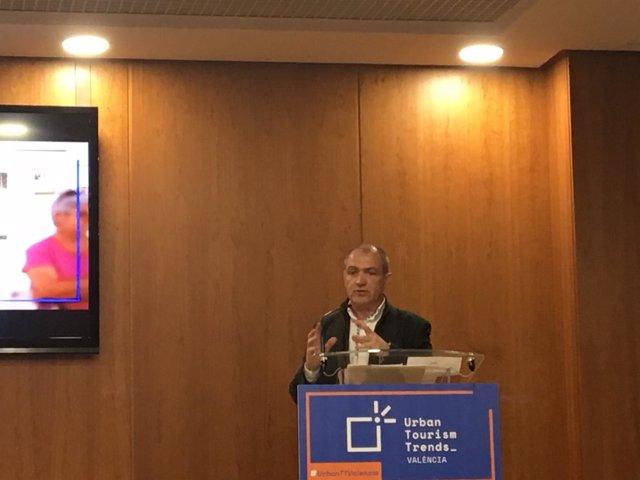 El presidente de la Fundación Turismo Valencia, Antonio Bernabé, en UTT Valencia