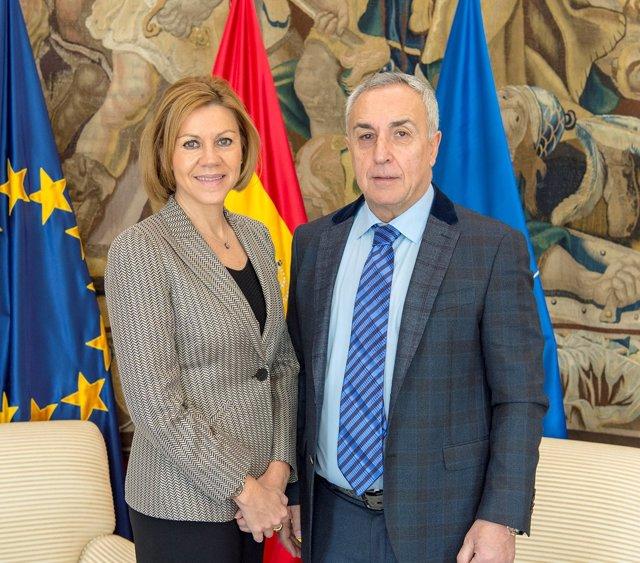 María Dolores de Cospedal, ministra de Defensa, y Alejandro Blanco (COE)