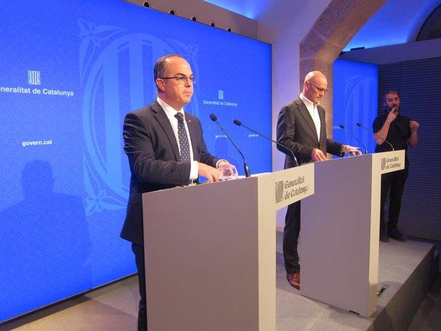El portavoz del Govern, J.Turull, y el conseller de Exteriores, R.Romeva
