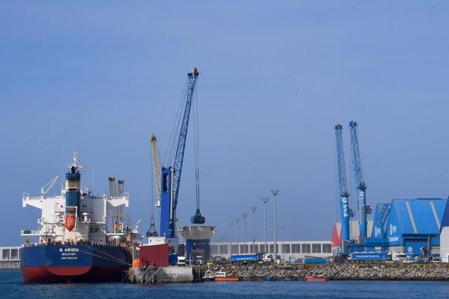 Los tráficos del Puerto de A Coruña crecen