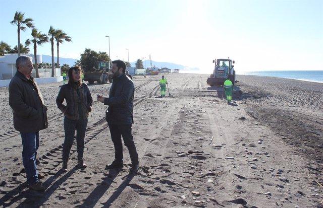 Dispositivo de limpieza de playas tras el temporal