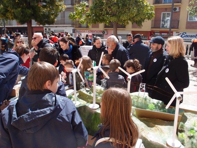 Fundación Descubre. Np La Ix Feria De La Ciencia De Atarfe (Granada) Toma La Cal