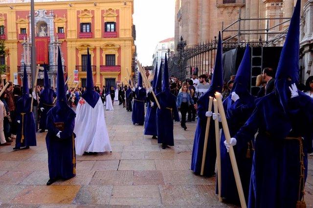Semana Santa de Málaga 2017 nazarenos, trono, plaza del obispo, procesión
