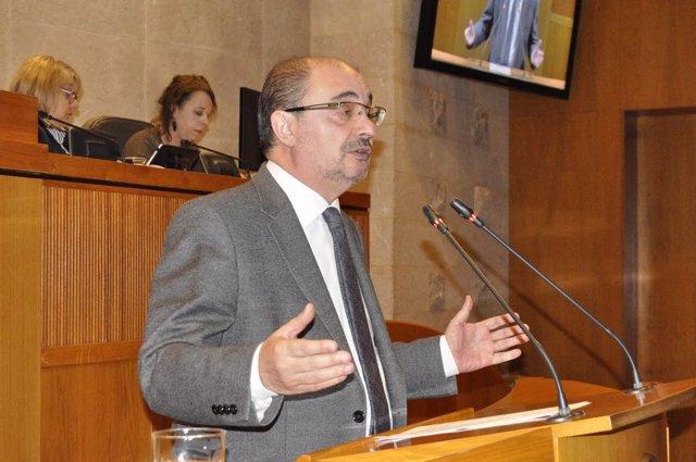 El presidente aragonés Javier Lambán, en el pleno de este jueves