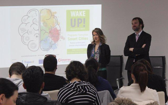 La Fundación Cajasol promueve formación en 'Smart Cities' para jóvenes emprendedores