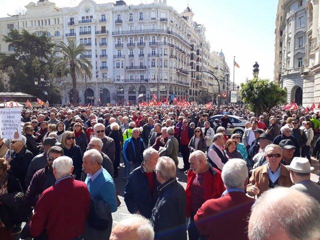 Manifestación por unas pensiones dignas en València