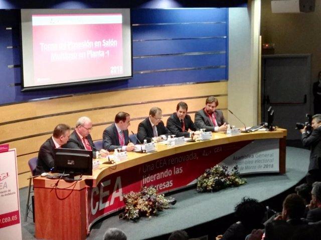 Asamblea general de la CEA donde ha sido reelegido González de Lara