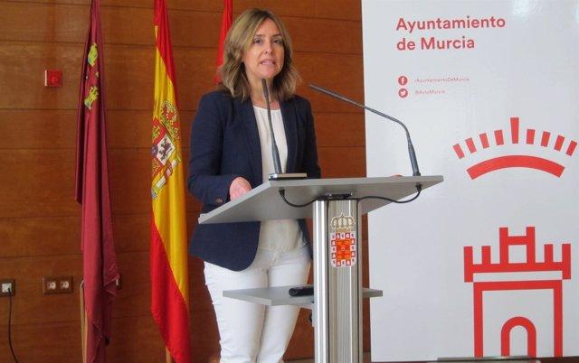Conchita Ruiz en rueda de prensa