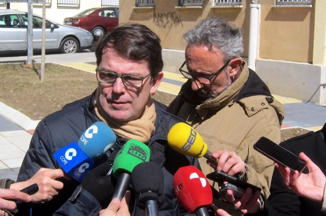 Fernández Mañueco atiende a la prensa, 22-3-18