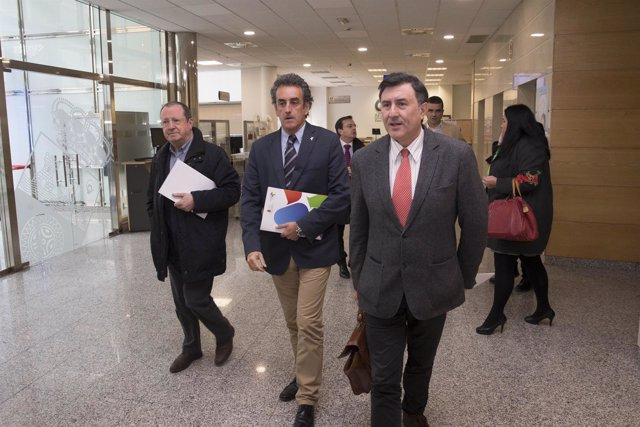 Martin y Mañanes presentan el concurso 'Estudiantes lebaniegos'