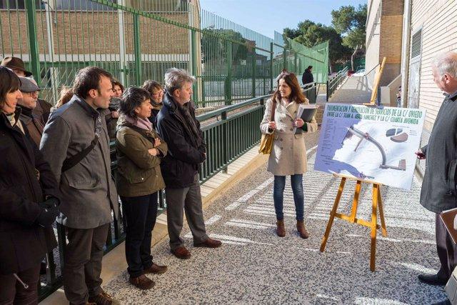 El alcalde en la inauguración de la remodelación de la calle Oviedo