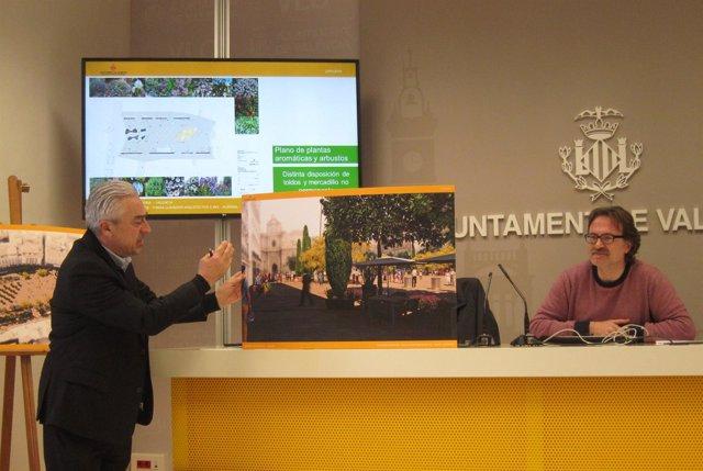 Grezzi y Tomás en la presentación del proyecto de reforma de Plaza de la Reina