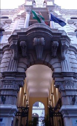 Fachada del IES Maimonides de Córdoba