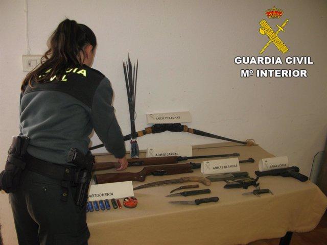 Armas intervenidas por los agentes