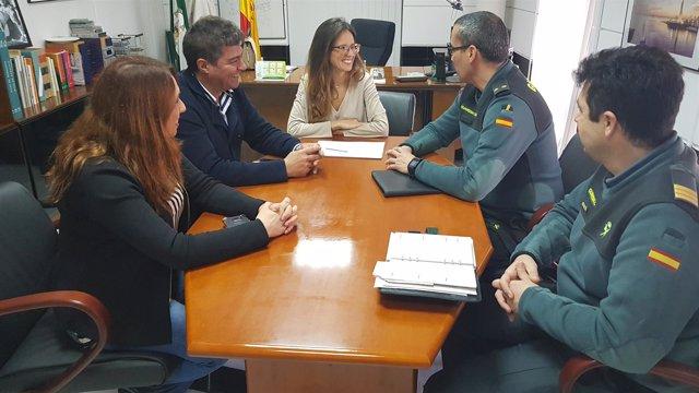 La delegada de Cutura, Natalia Santos, se reúne con el Seprona.