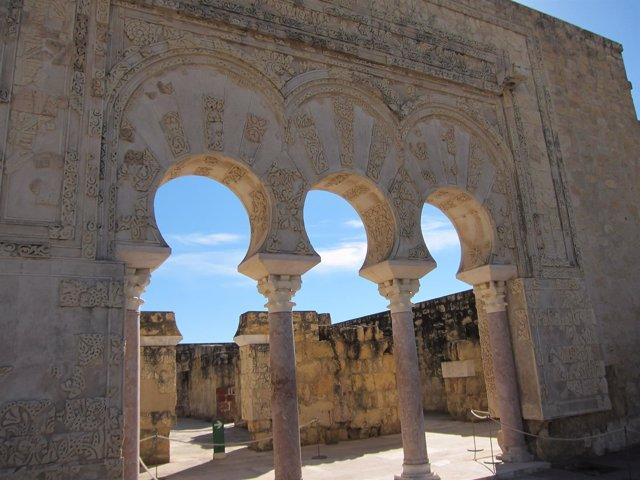 El patio de la Casa de Ya'far en Medina Azahara