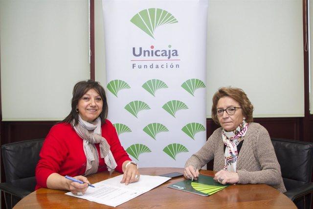 Firma del convenio entre Unicaja y Sinando Kalí