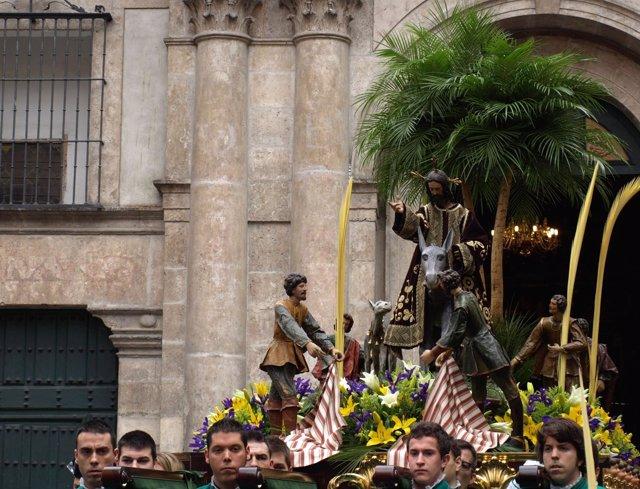 La Borriquilla de Valladolid, portada a hombros
