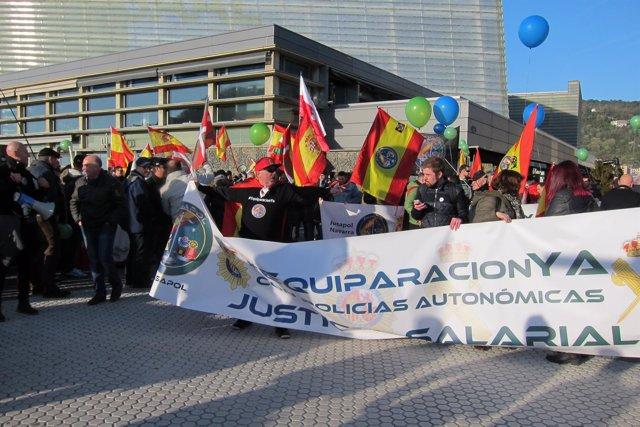 Manifestación de Jusapol en San Sebastián