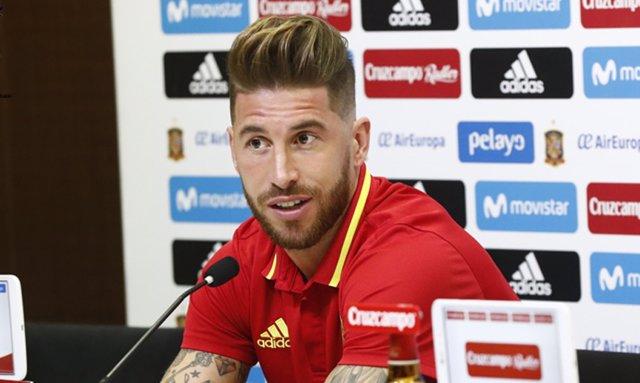 Sergio Ramos en rueda de prensa con la selección