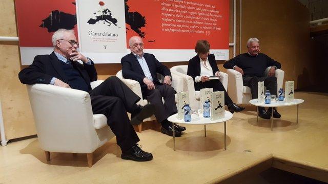 Joaquín Almunia en la presentación de su libro