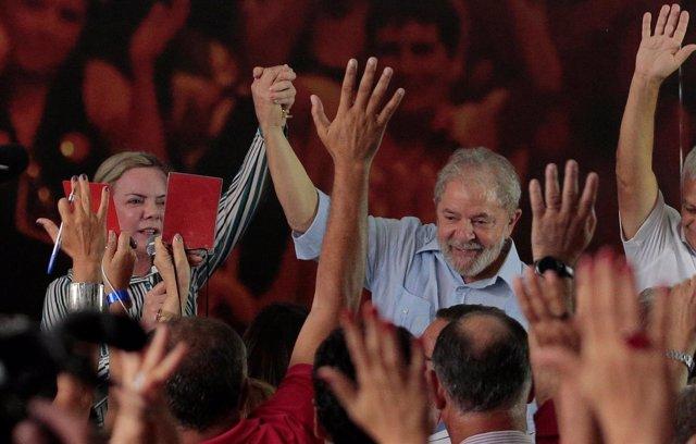 Luiz Inácio Lula da Silva lanza su candidatura a la Presidencia