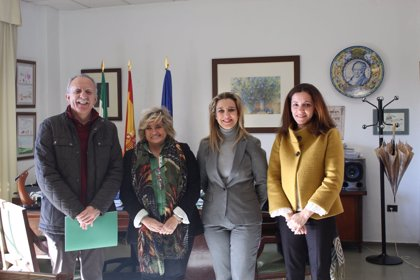 Ayuntamiento Alcalá (Sevilla) y Junta firman convenio para utilizar instalaciones educativas fuera del horario escolar