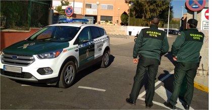 La Guardia Civil libera en Mijas a un joven secuestrado y al que habían agredido con violencia