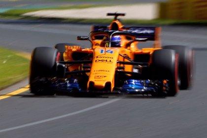 Hamilton manda acechado por Red Bull y Ferrari y McLaren muestra su mejoría