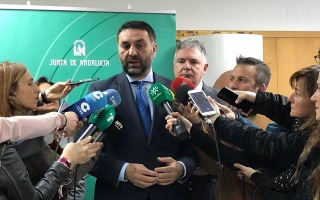 Fernández destaca la 'alta' previsión de ocupación hotelera en Semana Santa en Andalucía