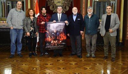 """El alcalde de Bilbao recibe al equipo técnico y actores de la película """"Errementari"""""""